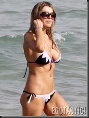 rita-rusic-bikini-pictures-from-miami-05-675x900