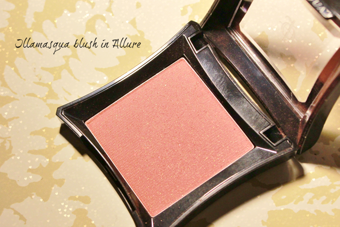 Illamasqua blush in Allure