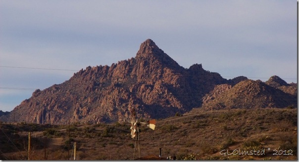 01 Windmill in front of the Weaver Mts from Iron Springs Rd S Kirkland AZ (1024x554)