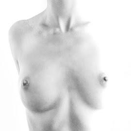 woman by Dejan Škipina - Nudes & Boudoir Artistic Nude ( canon, body, nude, woman, art, photo, photography )
