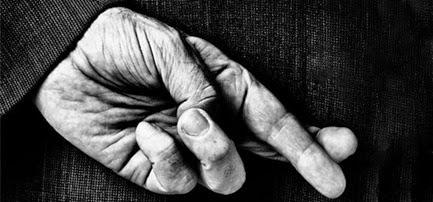 dedos-cruzados