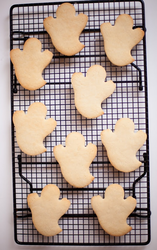 Wilton Ghost Cookies-7823