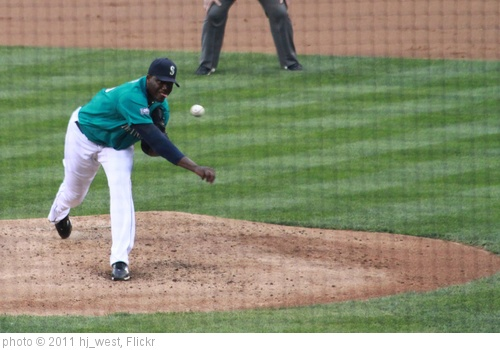 'Michael Pineda delivers' photo (c) 2011, hj_west - license: http://creativecommons.org/licenses/by-sa/2.0/