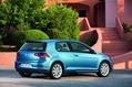 2013-Volkswagen-Golf-61