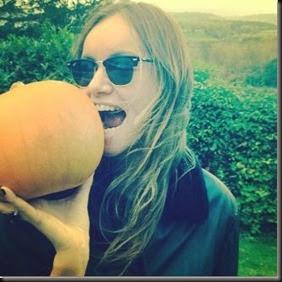 Joanna w pumpkin