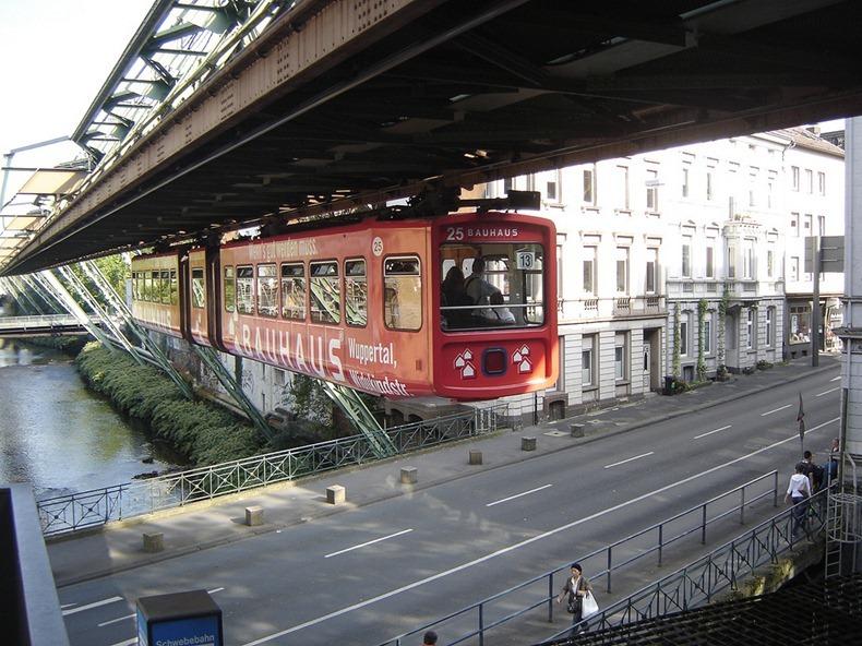 Wuppertaler-Schwebebahn-10