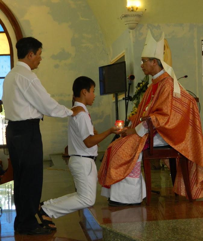 Thánh lễ ban bí tích Thêm sức tại giáo xứ Tuy Hòa