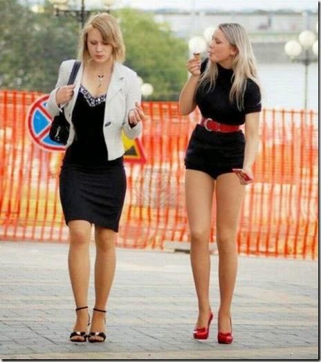 women-street-walkers-026