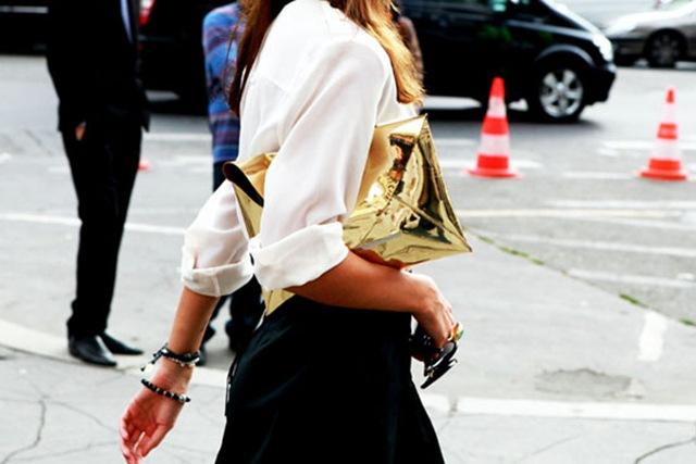 Metallic-trend-street-style-purse