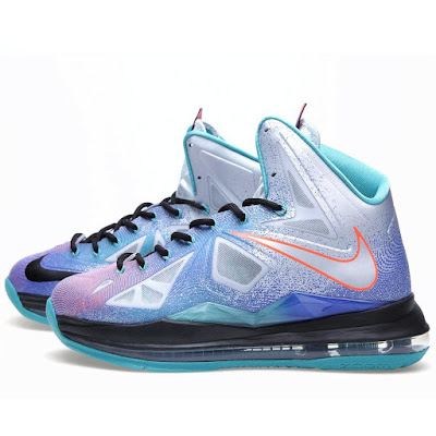 nike lebron 10 gr pure platinum 9 02 Nike LeBron X Re Entry Hits Nikestore Europe
