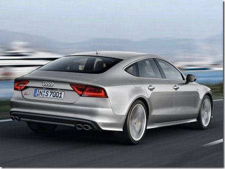 2012-Audi-S7-Sportback-Rear-Angle
