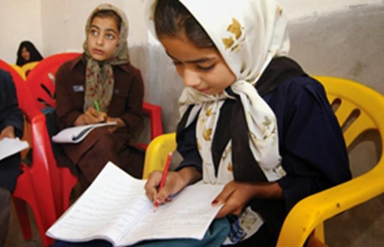 Give the Gift of Literacy via www.RaisingLifelongLearners.com