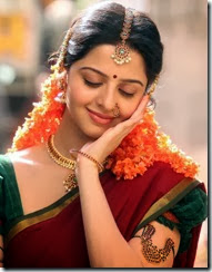 vedhika_exclusive_photo