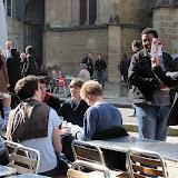 Bayonne 14 h, les jeunes PS offraient le programme Hollande aux jeunes UMP mais eux n'avaient rien à échanger...dommage