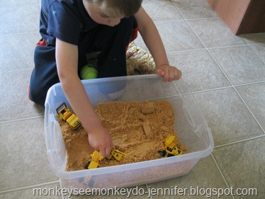 indoor/outdoor portable sandbox