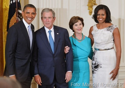 Obama, Bush, Laura e Michelle foto Mandel Ngan AFP
