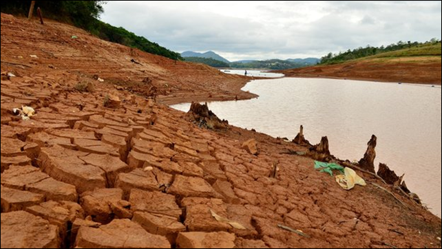 The water level in the Cantareira reservoir system remains dangerously low, 7 November 2014. Photo: BBC