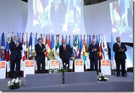 MEXICO D.F. 14 DE OCTUBRE DEL 2010. EL PRESIDENTE DE LOS ESTADOS UNIDOS MEXICANOS, LIC. FELIPE CALDERON HINOJOSA, DURANTE LA CLAUSURA DEL FORO DE DEMOCRACIA LATINOAMERICANA, QUE TUVO LUGAR EN EL PALACIO DE MINERIA. FOTO ALFREDO GUERRERO