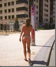 0000110B_naked_blonde_in_public