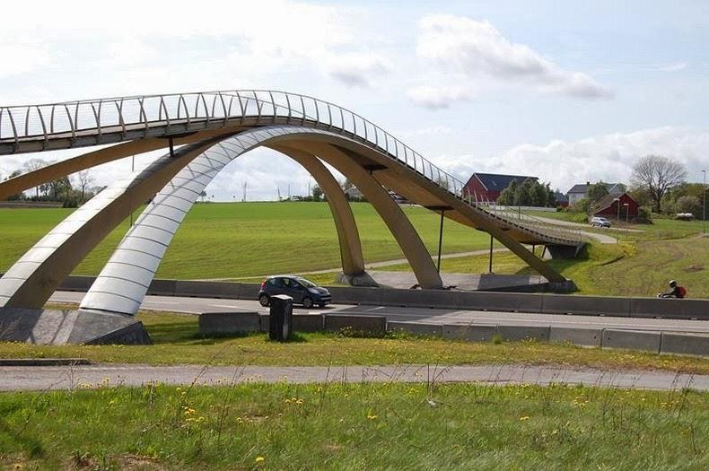 leonardo-bridge-1