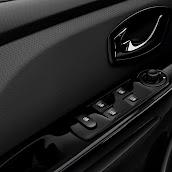 2013-Renault-Clio-4-Interior-7.jpg