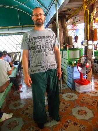 con los pantalones del masaje tailandés, Chiang Mai
