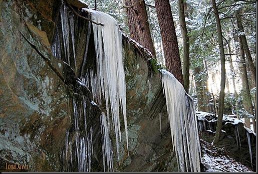Scenic_Inn_Winter_Icicles2