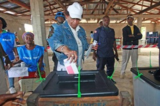 reuters_liberia_sirleaf_votes