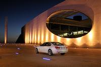 2013-BMW-7-Series-08.jpg