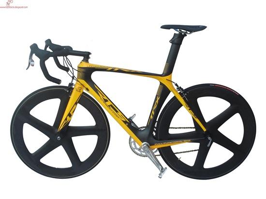 TTRX_road_yellow_1800
