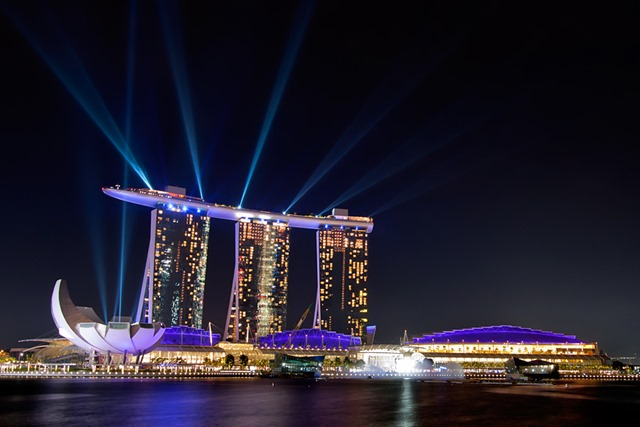 Marina Bay Sands di notte