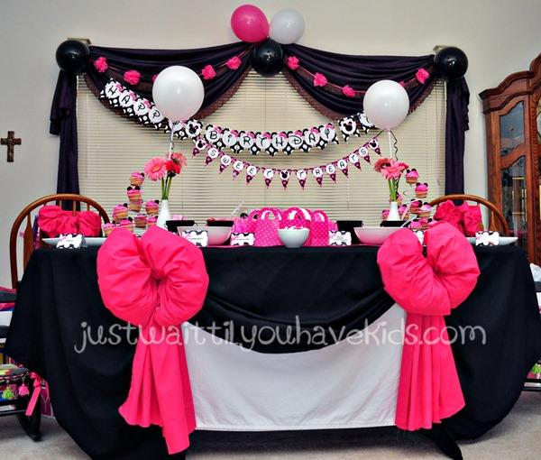 Minnie's-Bowtique-Sweets-Ta