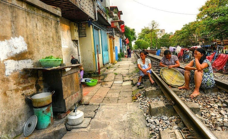 hanoi-train-track-13