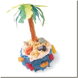desert-island-cupcake-recipe-photo-420-0396-FF03100X