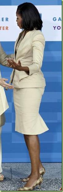 michelle-obama-hayrunnisa-gul-2012-5-20-17-33-21