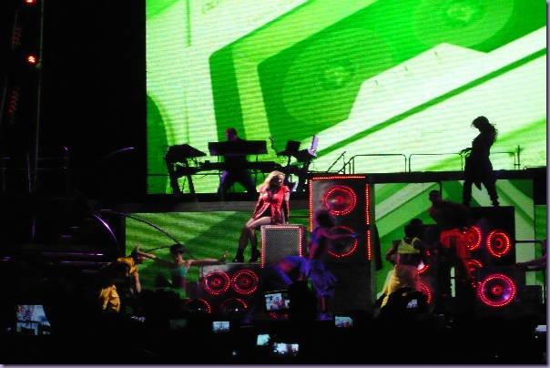Britney-Spears-São-Paulo-Femme-Fatale-Tour-Big-Fat-Bass