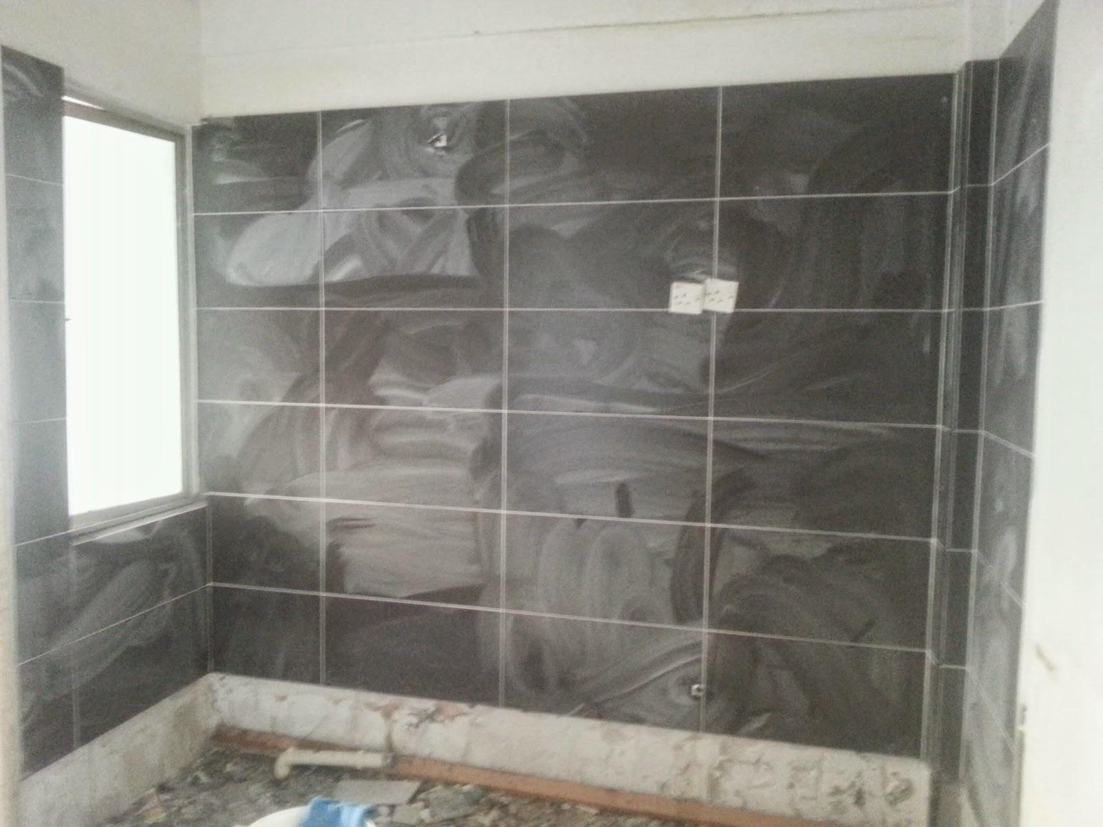 pasang tile dinding dapur 1 2sq warna hitam
