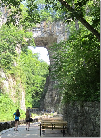 Natural_Bridge_Rock3