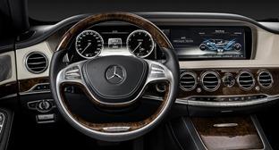 W222-Mercedes-CarscoopsA