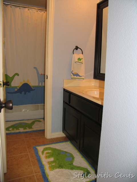 upstairs bath5