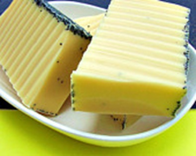 poppy PinaColada soap-1 (2)