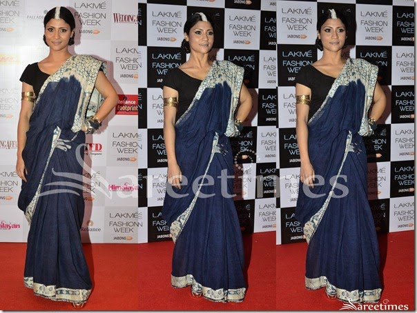 Konkana_Sen_Blue_White_Saree