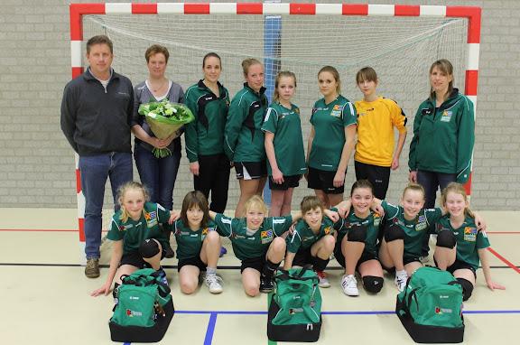 C2 handbal Groessen.JPG