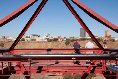 El Big Hole de Kimberley (mina abierta de diamantes)