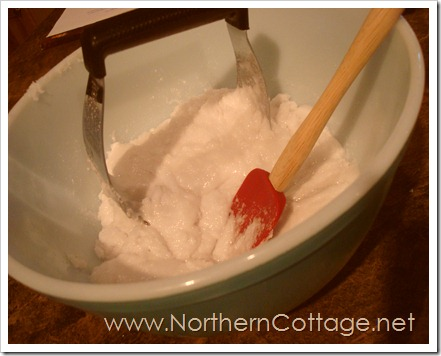 baking in vintage pyrex@ NorthernCottage.net