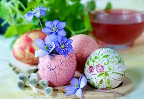 Easter eggs and tea