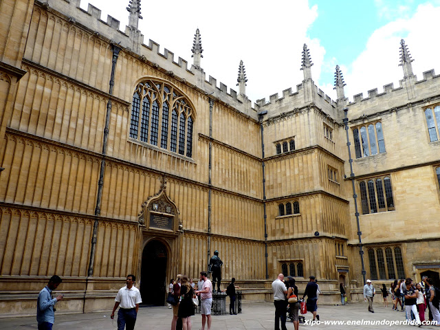bodleian-library-oxford.JPG
