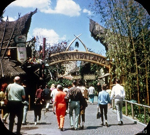 View-Master Adventureland (A177), Scene 1-1: Entrance