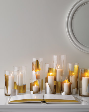 I love how modern these candle holders are for the holidays. (marthastewartweddings.com)