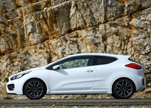 Yeni-Kia-Pro-Ceed-GT-2014-21.jpg